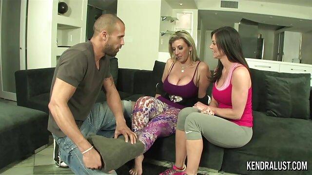دو دانلود سکس معلم زوج روسی مرتب به طور همزمان بر روی نیمکت مشترک