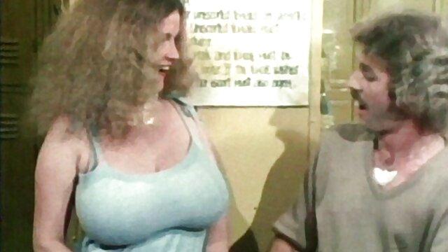 آمریکایی اشلی سکس معلم در کلاس