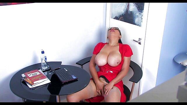 بد بو با دوست دختر فیلم سکس با معلم خود الیزا ایبارا فیلم برداری از یک فرد در تعطیلات